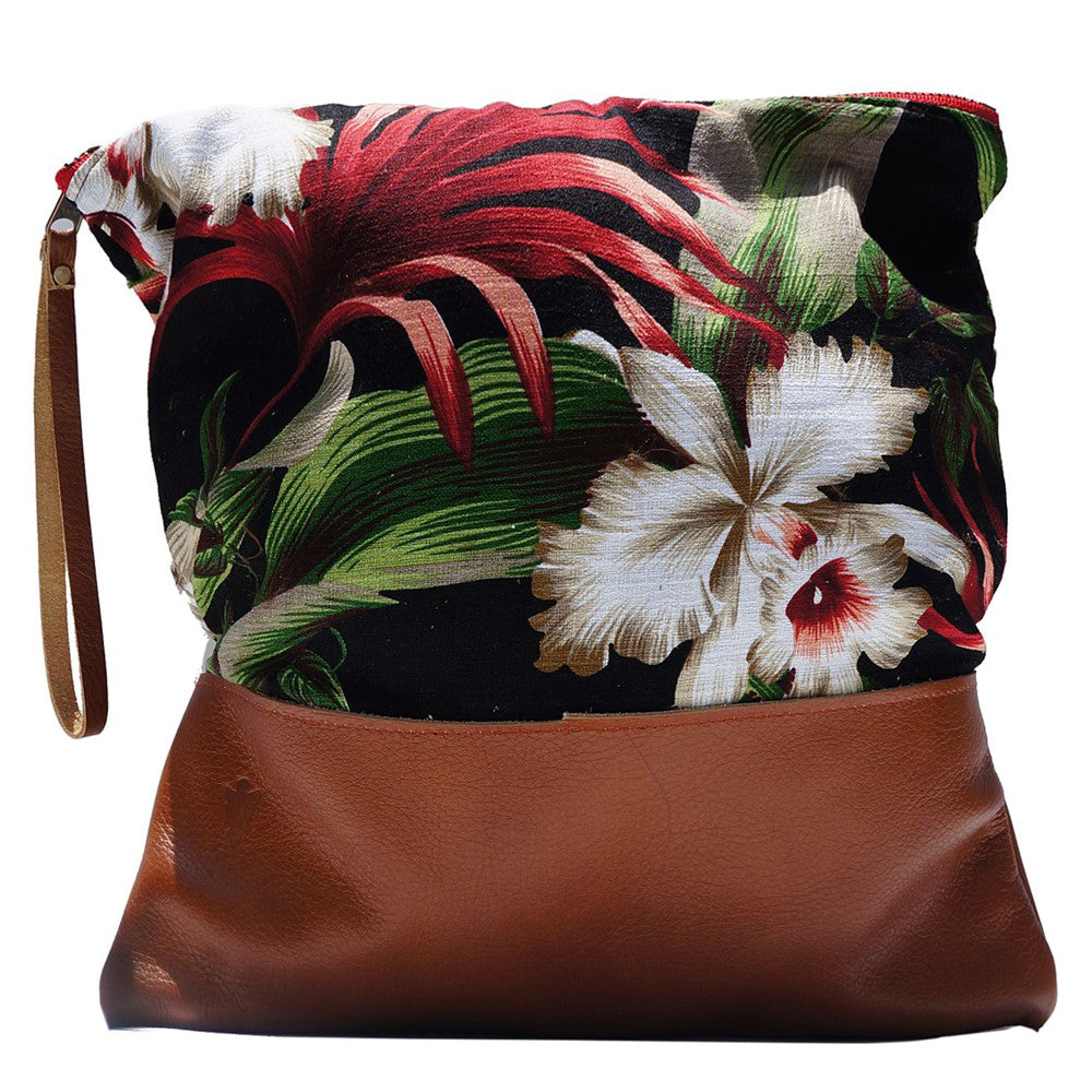 Large Clutch in Aloha