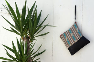 Nyri Clutch in Black Leather