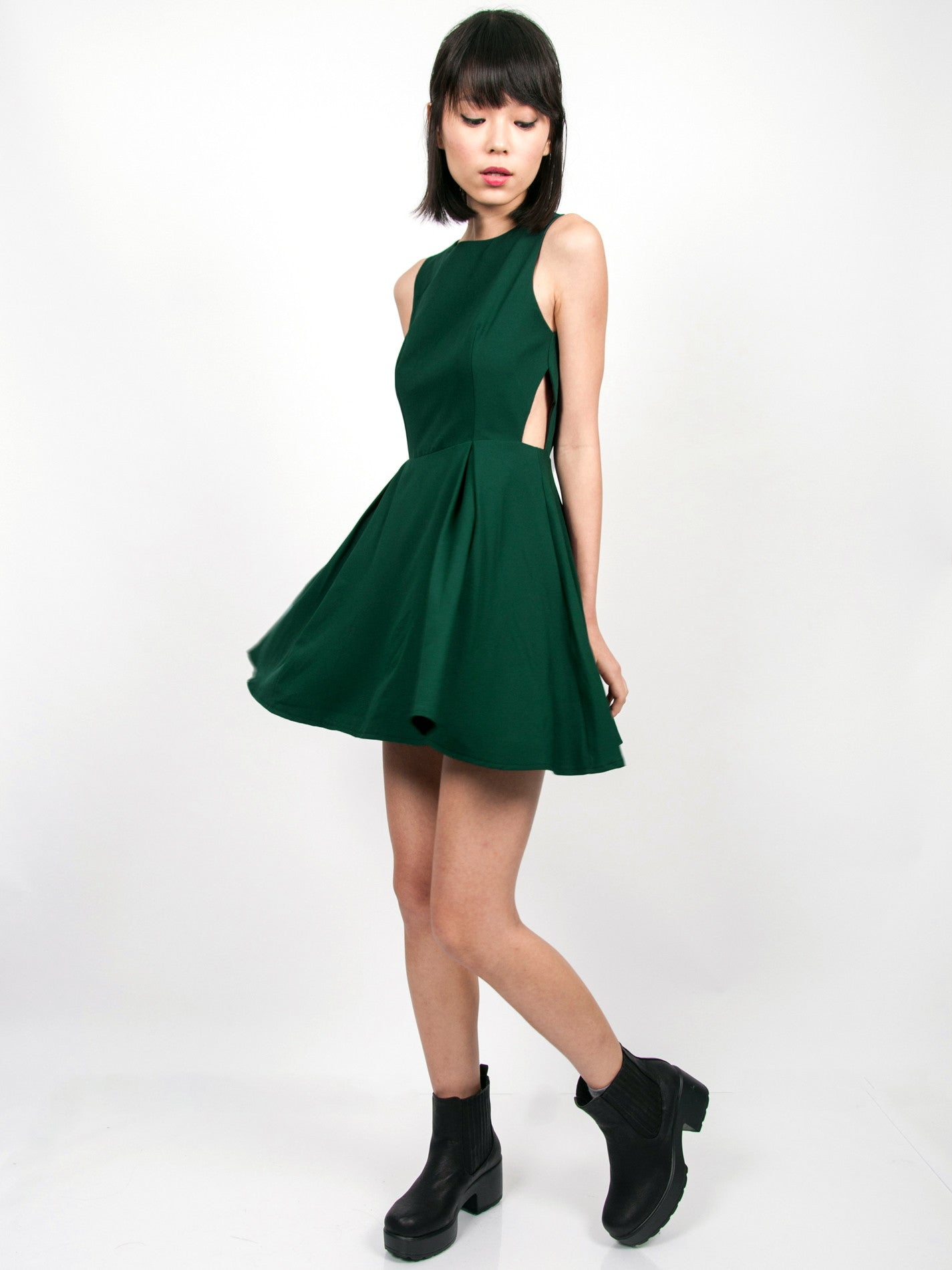 WILLA Side Cutout Dress (Forest Green)
