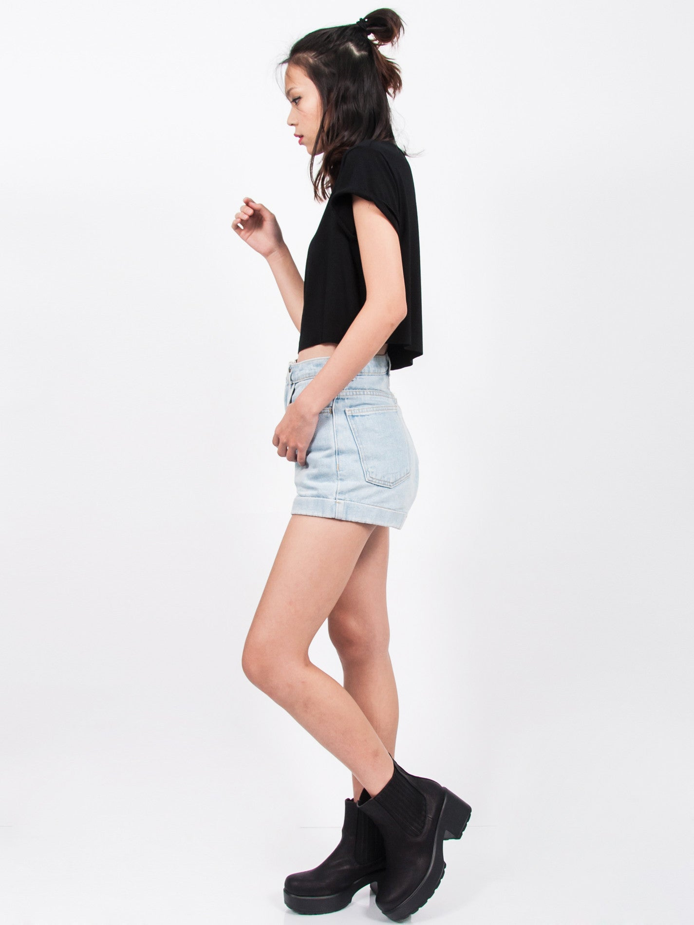 KENDALL Everyday Cropped Tee (Black)