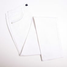 Load image into Gallery viewer, Bariloche White Jeans