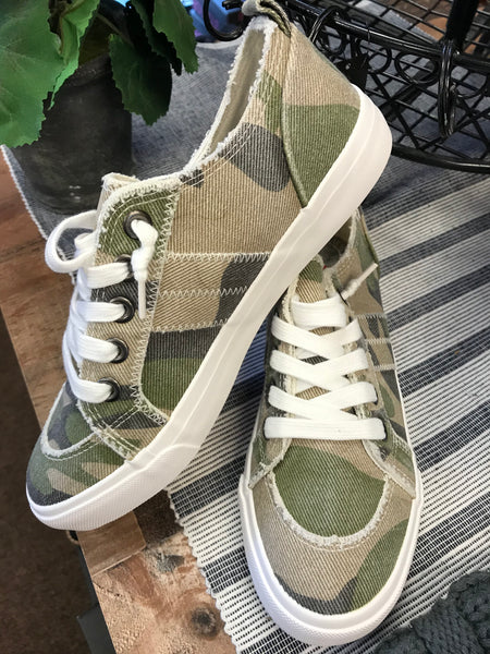 "Jellypop ""Kory"" Shoe in Camo/Green Canvas"