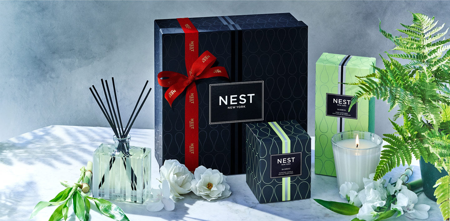 <h1>GIVE THE GIFT <br> <i>of</i> BEAUTY</h1>