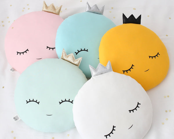 Full Moon Pillow With Crown