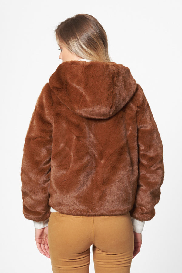 Faux Fourrure D'ours Coat