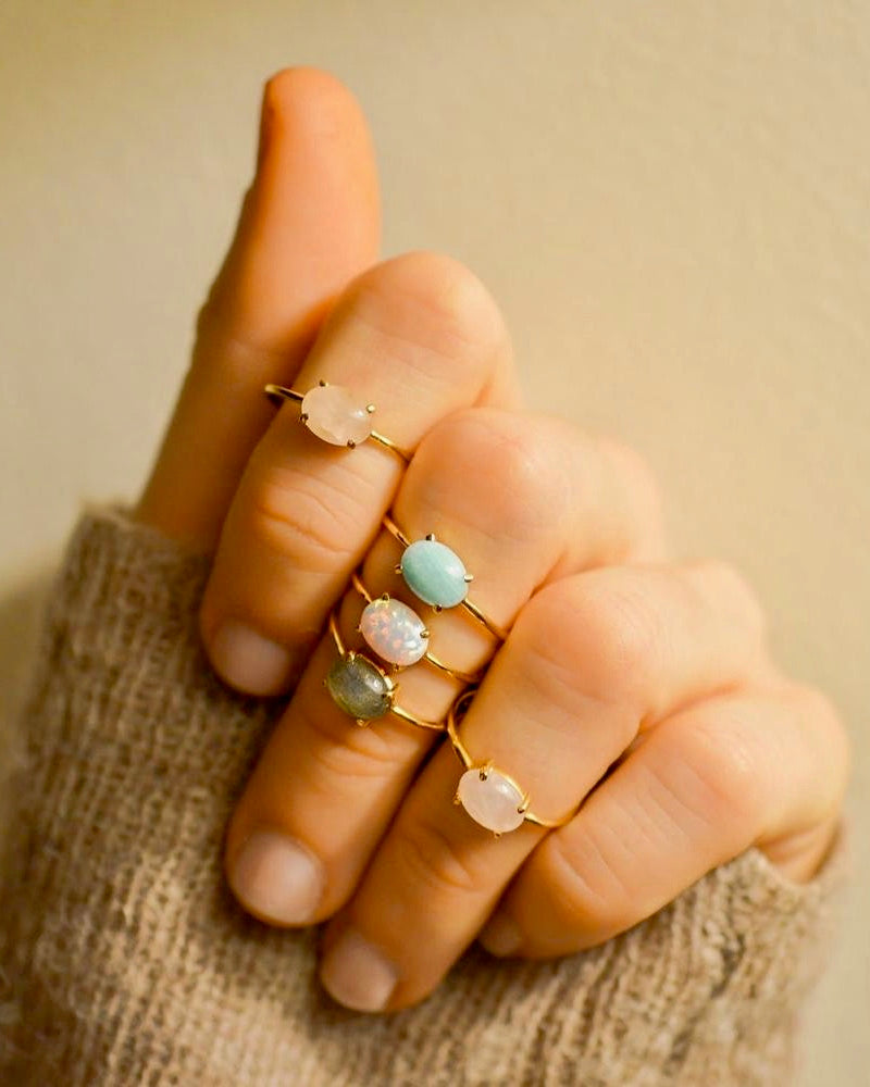 Opal Solo Claw Ring