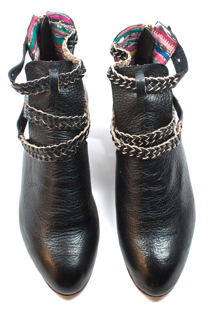 Trenza Cut-Out Boots – Moorea Seal