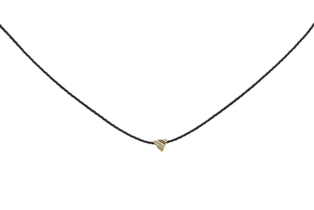 Tiny Triangle Choker
