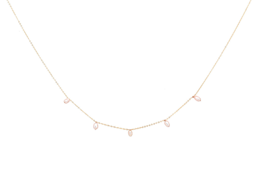 Delicate Pearly Necklace