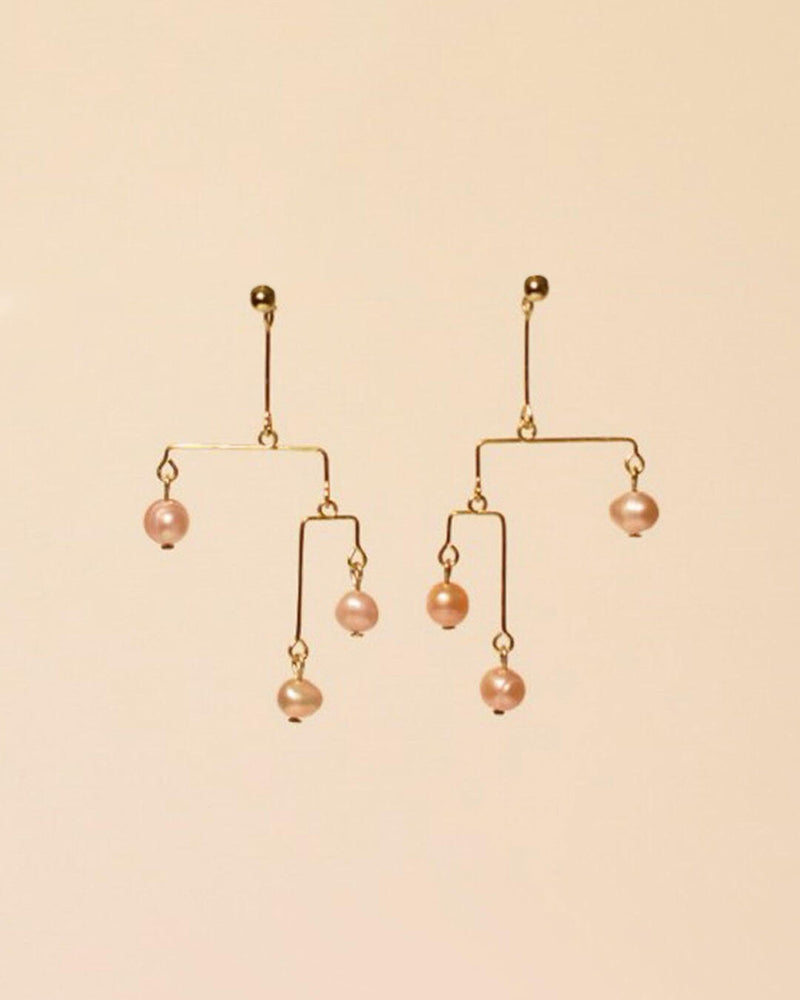 Rainfall Earrings in Pink Pearl