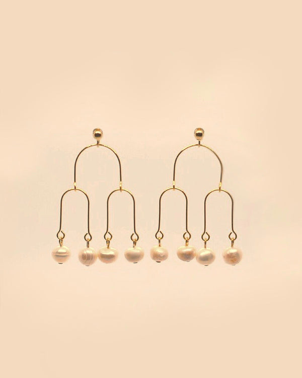 Blossomed Earring in Pearl