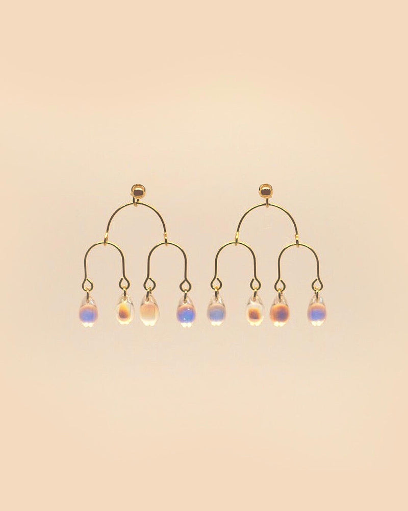 Daisy Earring in Teardrop