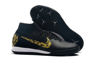 "Chuteira Nike Mercurial Superfly 6 Elite IC ""Black Lux"" Preto/Dourado"