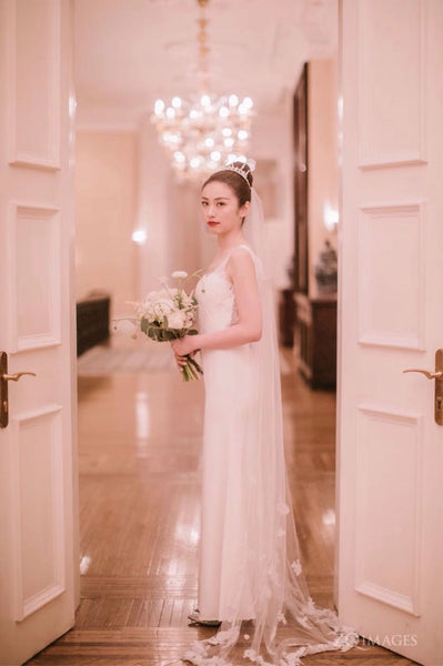 Chinese bride Peony Rice Wedding gown portrai shot