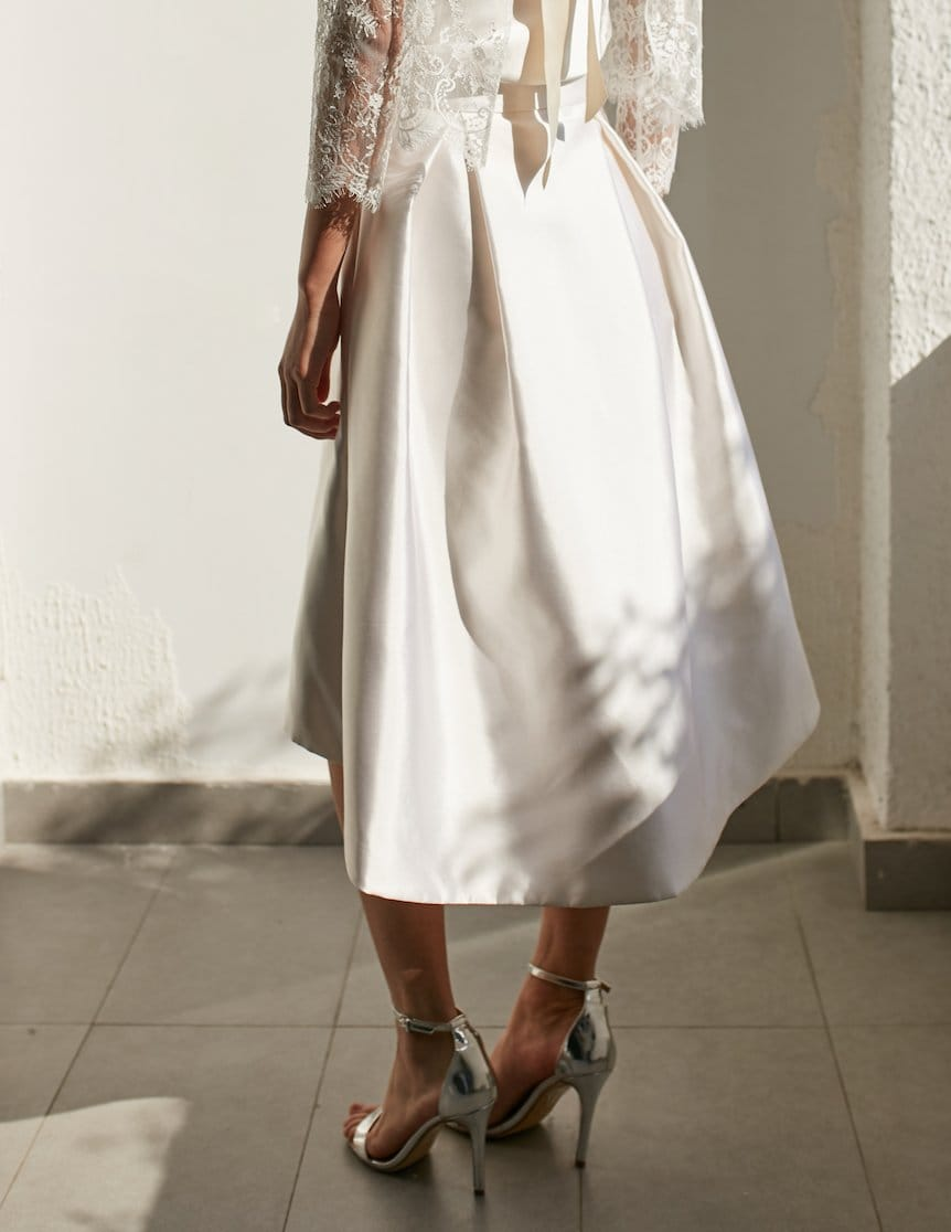 Style: DAPHNE High Low hem Silk Mikado Skirt