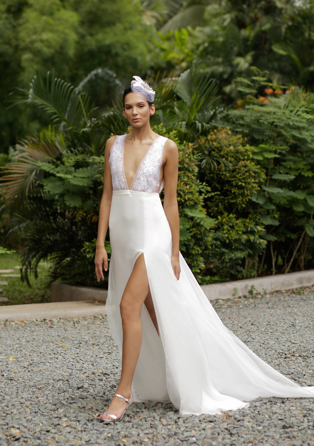 Style: YASMIN V Front And Back Lace Appliqué Gown - Peony Rice