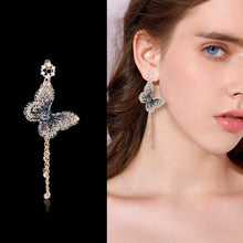 Load image into Gallery viewer, Wondrous Pearl Earrings
