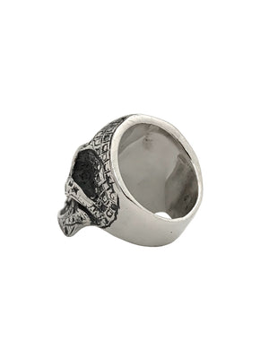 LARGE SKULL RING - CUT -