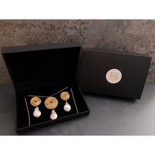 Load image into Gallery viewer, Tearia Earrings and Pendant Necklace Set