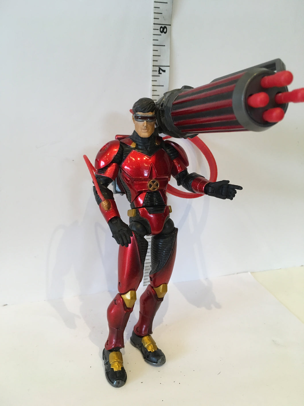 Marvel Legends X-Men Classics Cyclops with Ruby Quartz Armour Pre owned Loose Action Figure