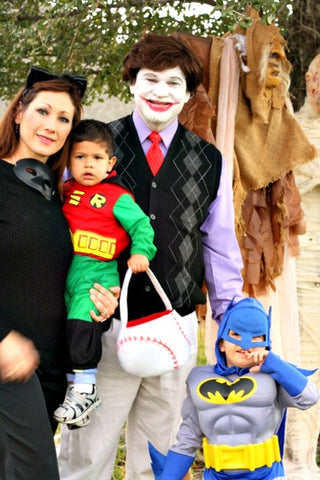 15 Creative Halloween Costume Ideas For Entire Families. Posted by Brandi Temple on October 14 2014  sc 1 st  Lolly Wolly Doodle & Lolly Moms u2013 tagged