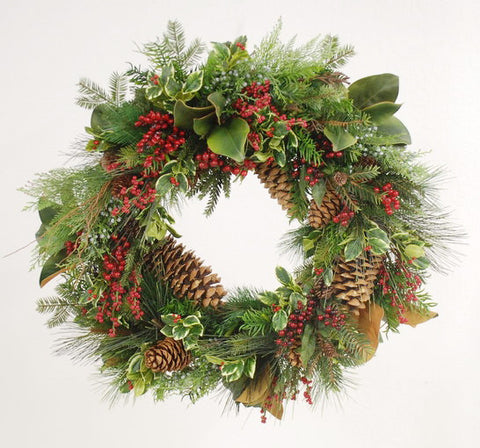 HOLLY WREATH FOR THIS HOLIDAY SEASON