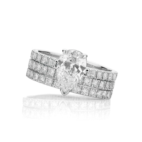 Classic Pear Cut Diamond Set