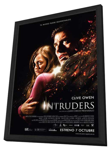 Intruders (Spanish) 27x40 Framed Movie Poster (2011)