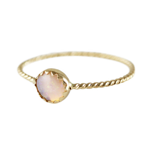 GOLDEN OPAL RING