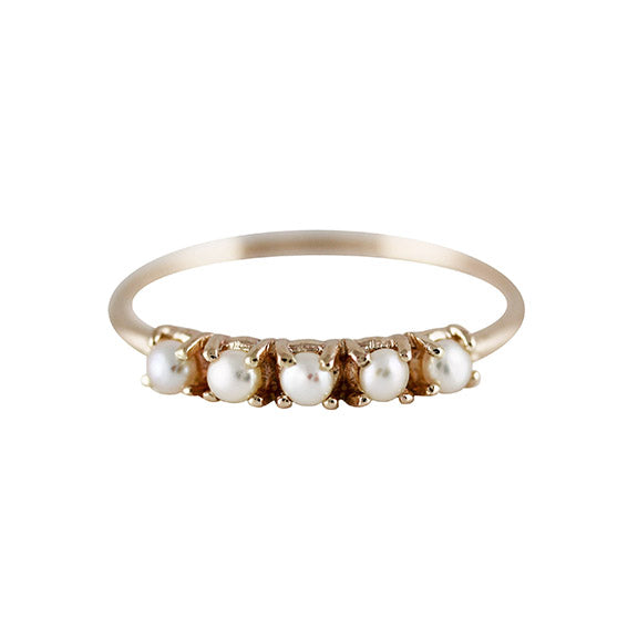 5 SMALL PEARL RING