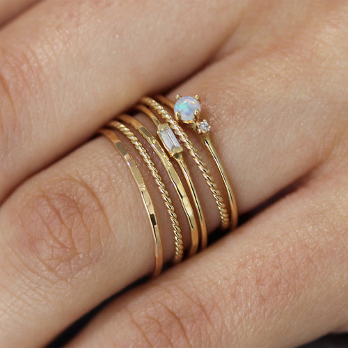 14K GOLD CLASSIC RING
