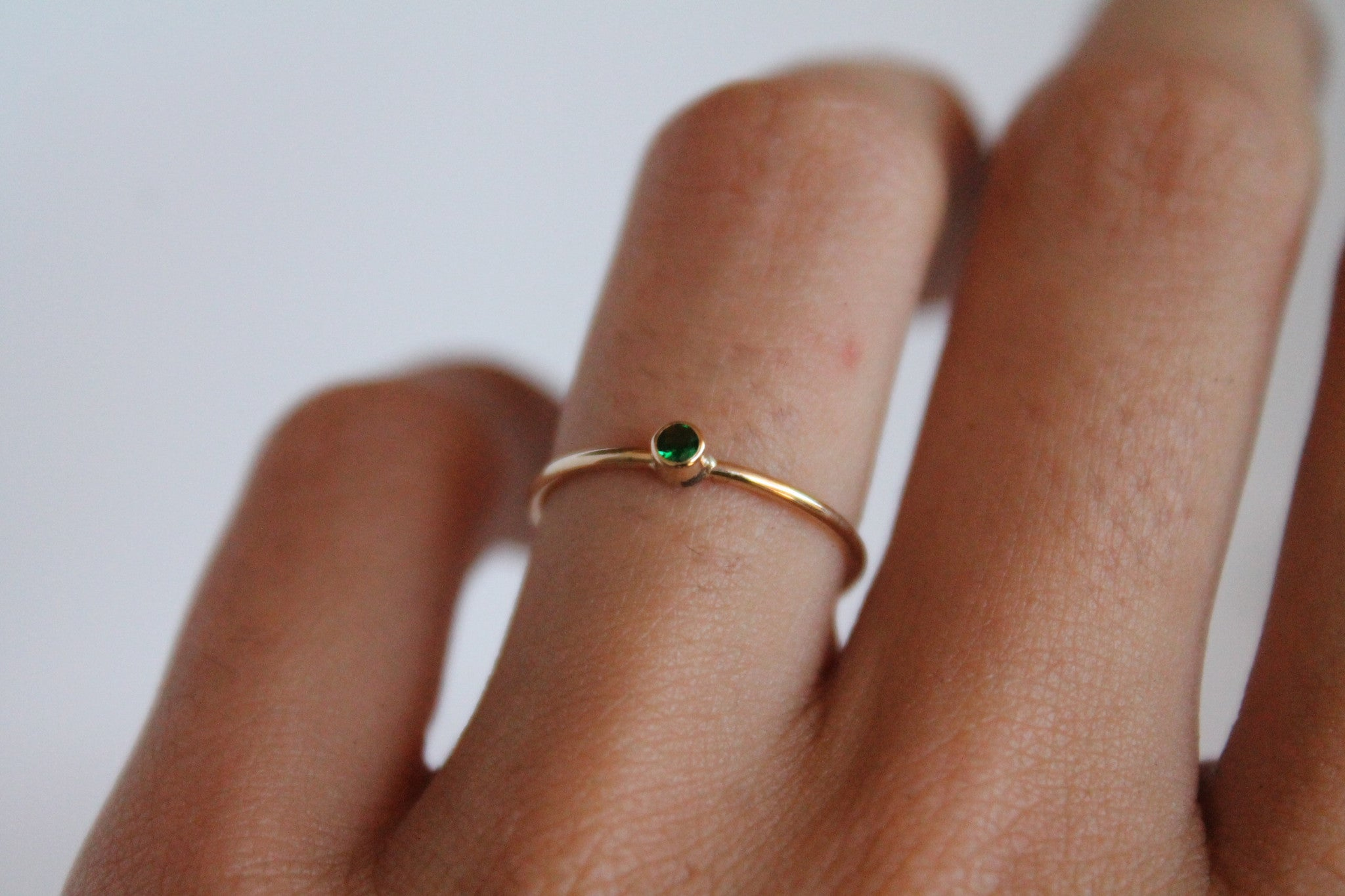 14K SINGLE EMERALD RING