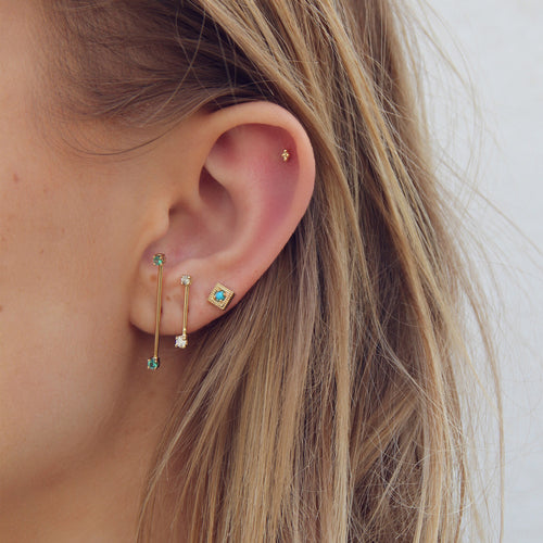 LONG STAPLE WITH EMERALDS STUDS
