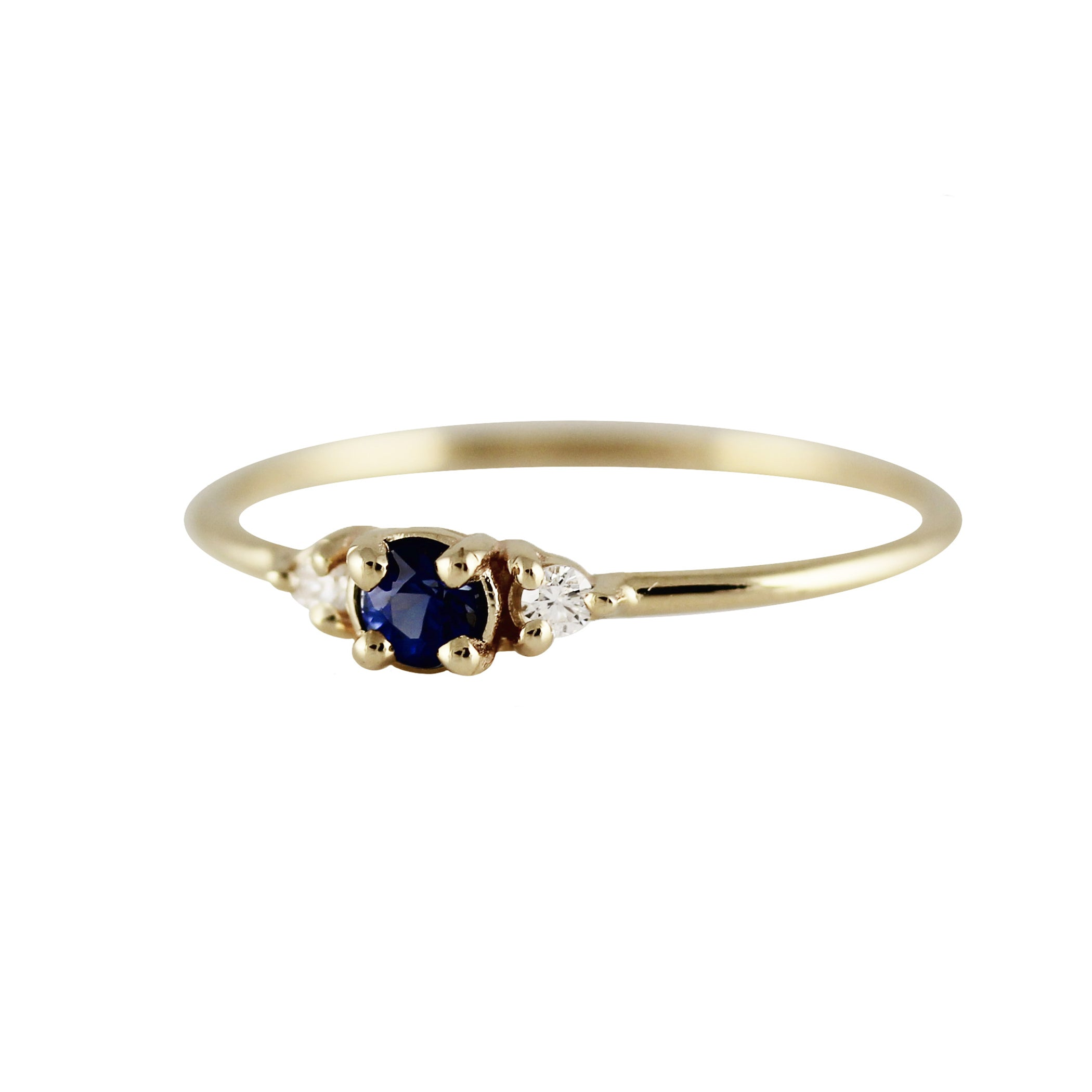 ROUND SAPPHIRE WITH SIDE DIAMONDS RING
