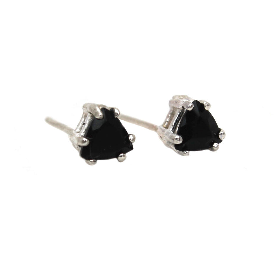 TRILLION ONYX EARRING
