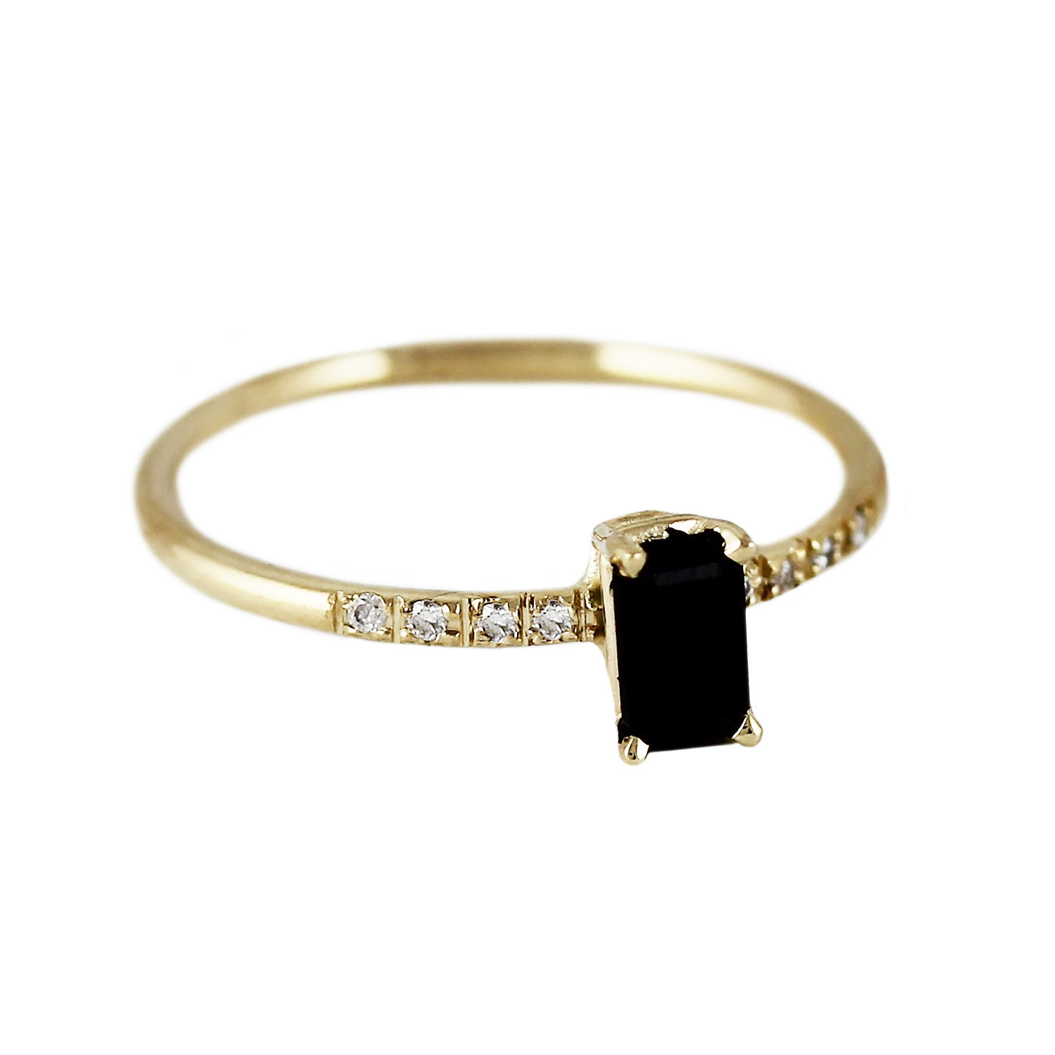 VERTICAL ONYX WITH PAVE RING