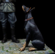 Load image into Gallery viewer, German Officer with Doberman 1:35