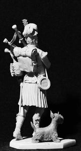 Scottish bagpiper with terrier 75mm