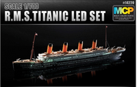 Academy 1:700 14220 R.M.S. Titanic + LED set Model Ship Kit