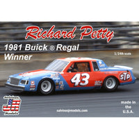 Hasegawa 1:24 SJR1981D   Richard Petty #43 Buick Regal 1981 Winner Model Car Kit