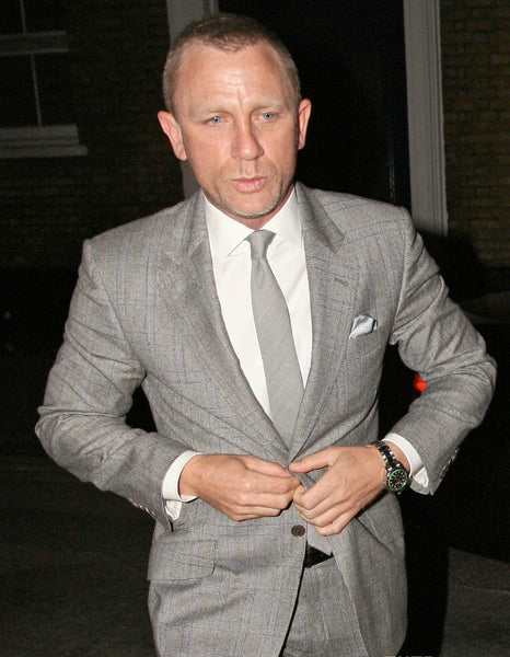 Daniel Craig's suit fits perfectly!