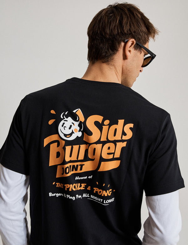 Reginald Tourist Tee - Sid's Burgers