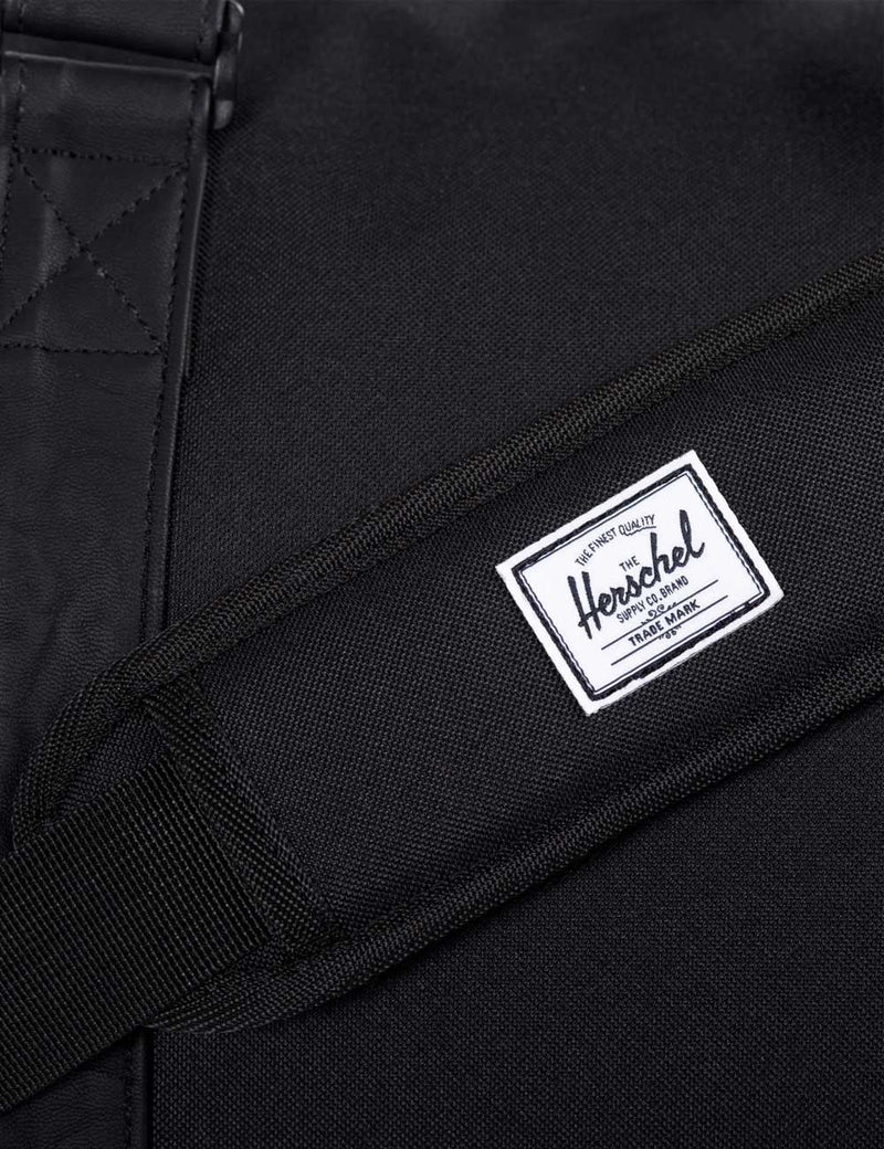 Herschel Novel Duffle - Black