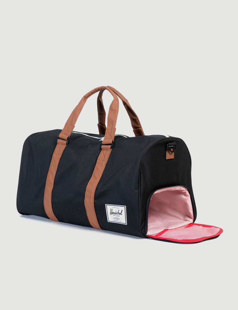 10026-00055-OS-herschel-novel-black-828432006540