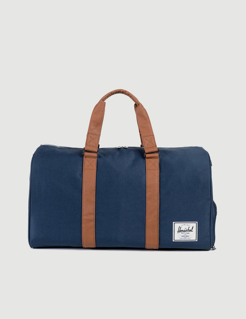 10026-00007-OS-herschel-novel-duffle-navy-828432006571