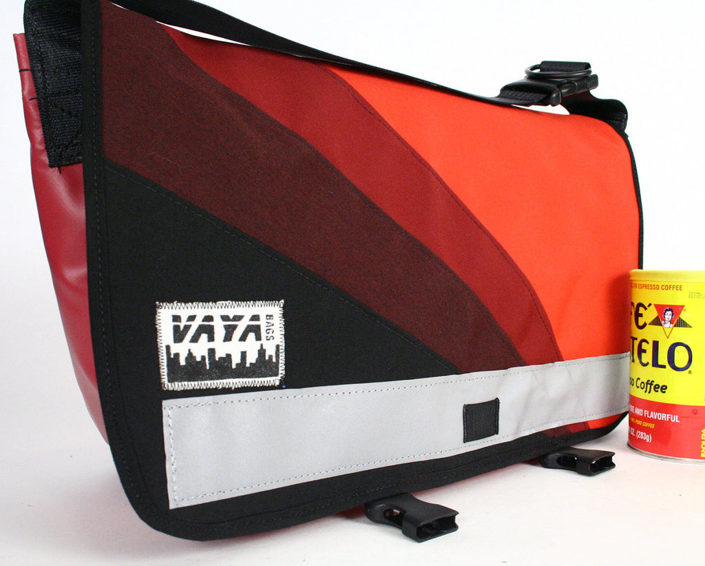 Vaya Bags Messenger Bag