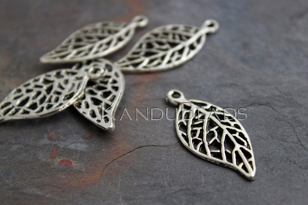 5 Lacy Leaf Pendants, Charms, Natural Motif,  Antique Silver Color Charms Metal Alloy 30x14mm