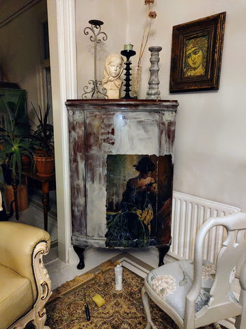 Decoupage kaappi Frenchic Paint.