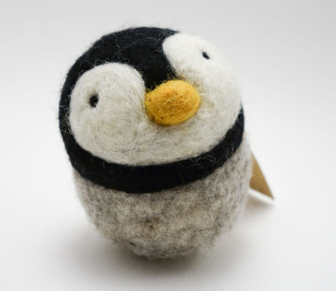 Medium Penguin - Woolbuddy
