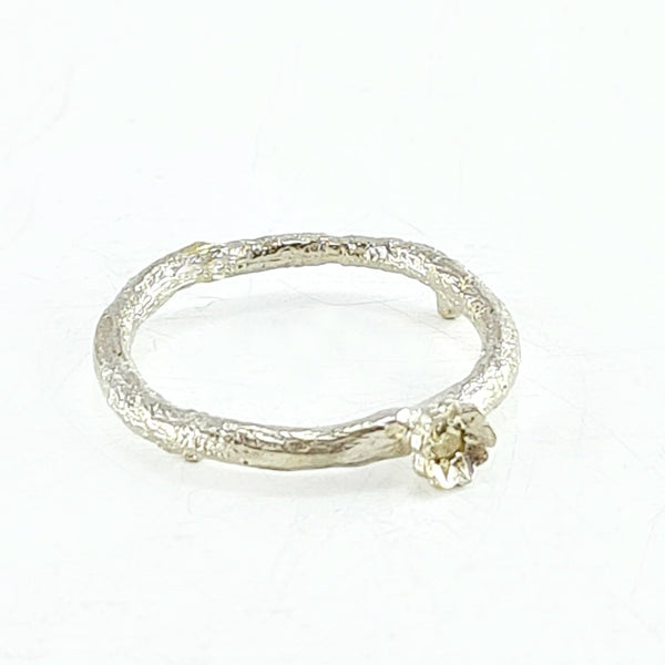 Briar flower ring - yellow champagne diamond